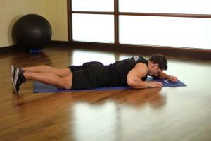 Растяжка мышц бедра лежа на боку, позиция 0