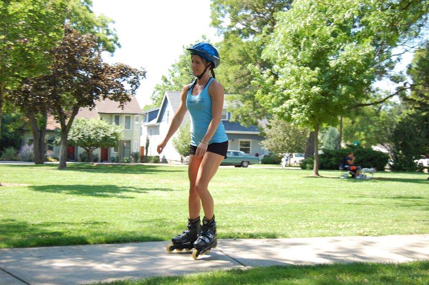 Катание на роликовых коньках, позиция 1