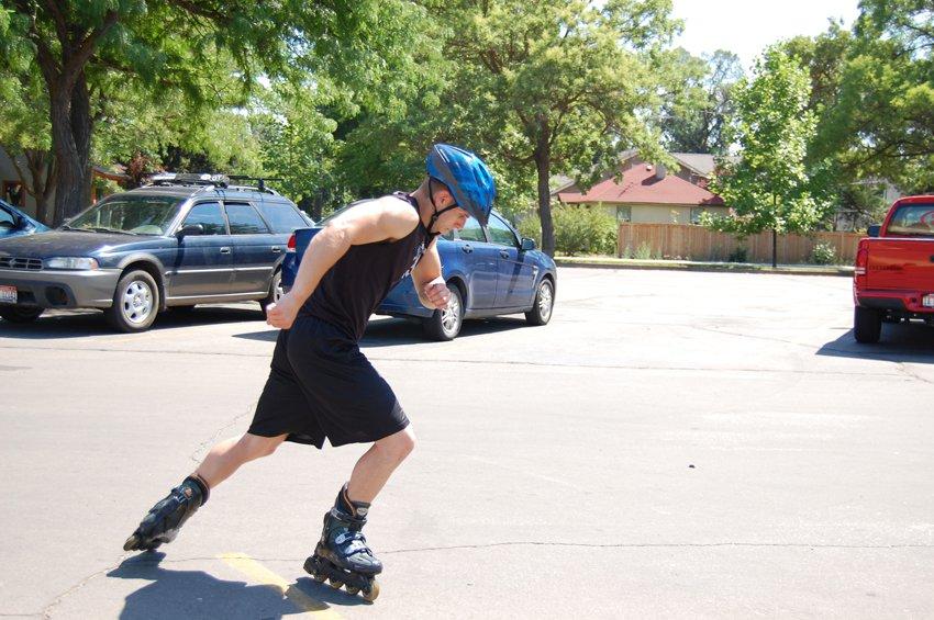 Катание на роликовых коньках, позиция 2