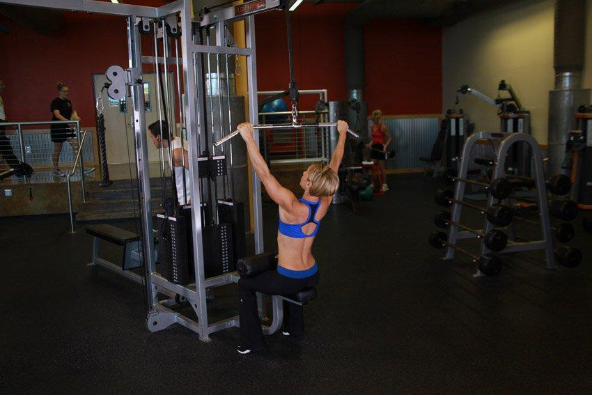 Упражнения на руки и спину