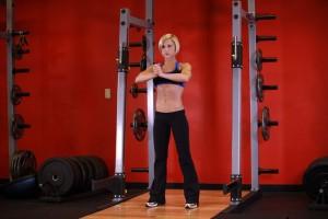 Статическое упражнение для мышц груди, позиция 1