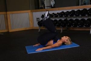 Подъем ног в положении лежа, позиция 1