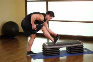 Растяжка икроножных мышц в положении стоя, позиция 0