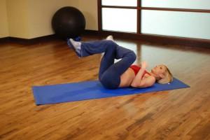 Растяжка ягодичных мышц в положении лежа, позиция 0