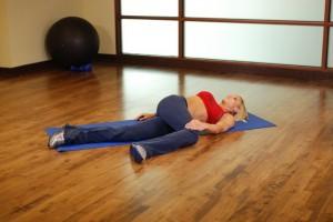 Растяжка ягодичных мышц, позиция 1