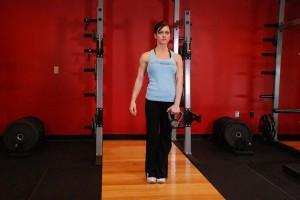 Становая тяга с гирей стоя на одной ноге, позиция 0