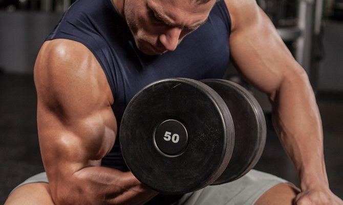 Топ-5 лучших упражнений на бицепс на массу