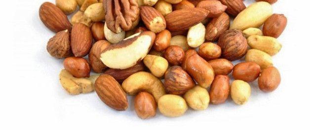 арахис, кешью и миндаль, богатые протеином