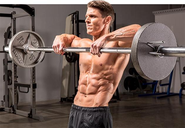 Тренировка груди и плеч