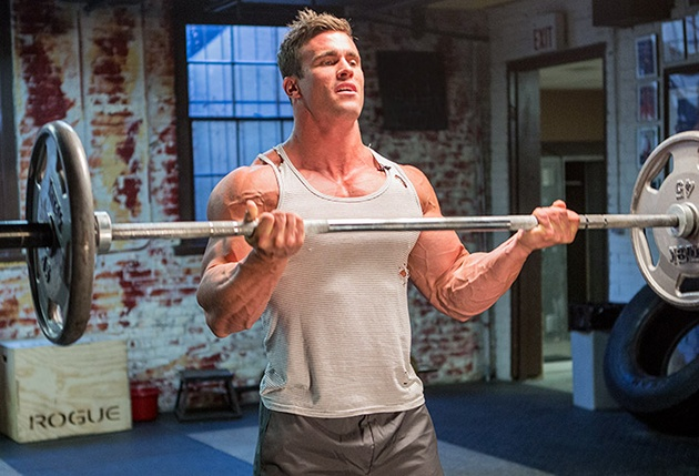 trenirovka-bicepsov-i-tricepsov-trojnoj-shturm-1