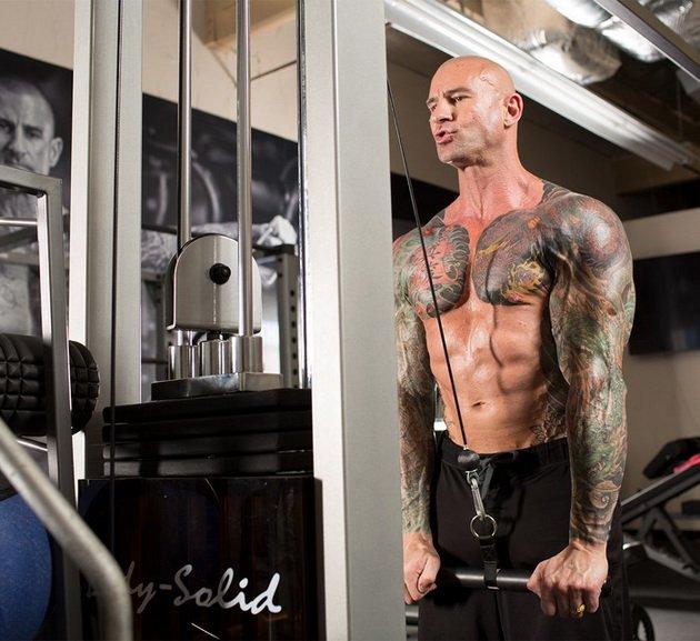 Сотенные сеты: тренировки на все тело от Джима Стоппани