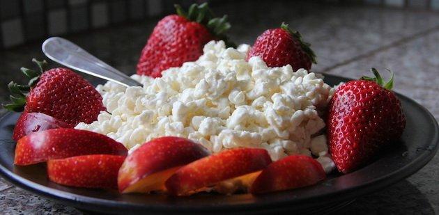 9 продуктов, которые не стоит есть и пить после 9 вечера