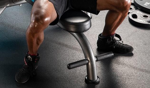 vazhno li usilie ot nog v zhime shtangi lezha sovety silacha 1 Важно ли усилие от ног в жиме штанги лежа   советы силача