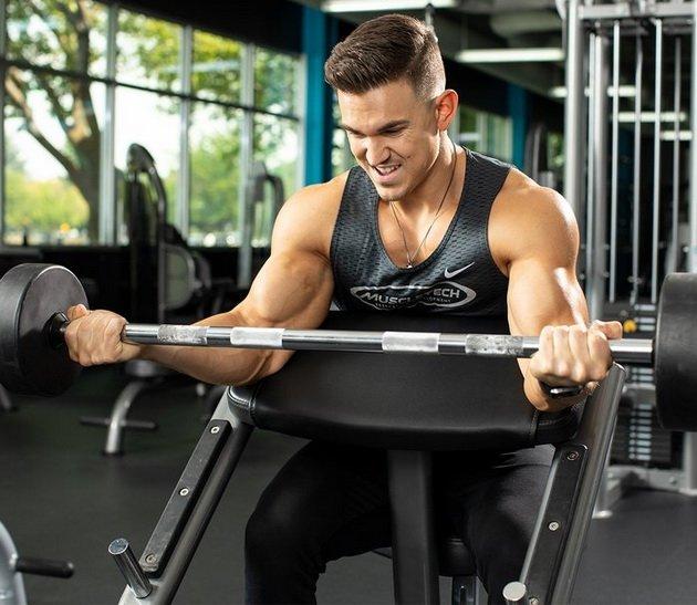 Тренировка для бицепсов из 3-х упражнений