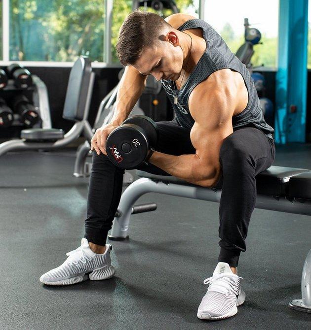 trenirovka dlya bicepsov iz 3 uprazhnenij 4 Тренировка для бицепсов из 3 х упражнений