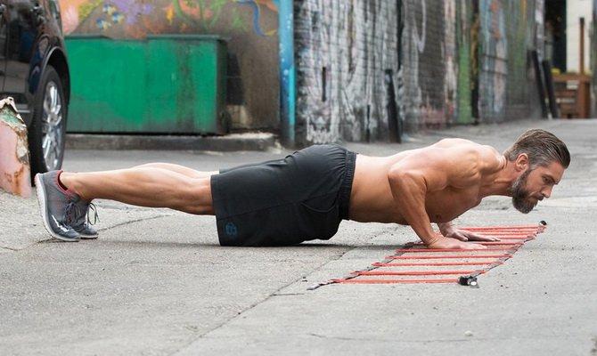 10 luchshix uprazhnenij s sobstvennym vesom dlya myshc pressa i kora 10 лучших упражнений с собственным весом для мышц пресса и кора